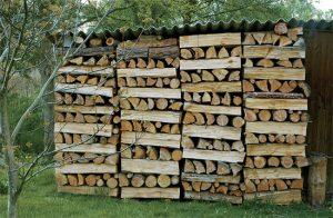 Čím přikrýt dřevo