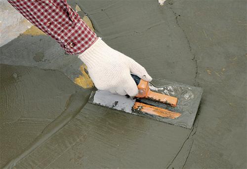 Jak pracovat se suchým betonem