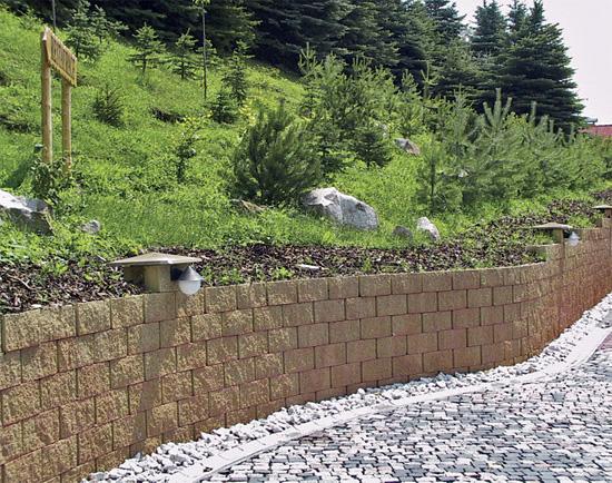 Suchá zídka z betonových tvárnic