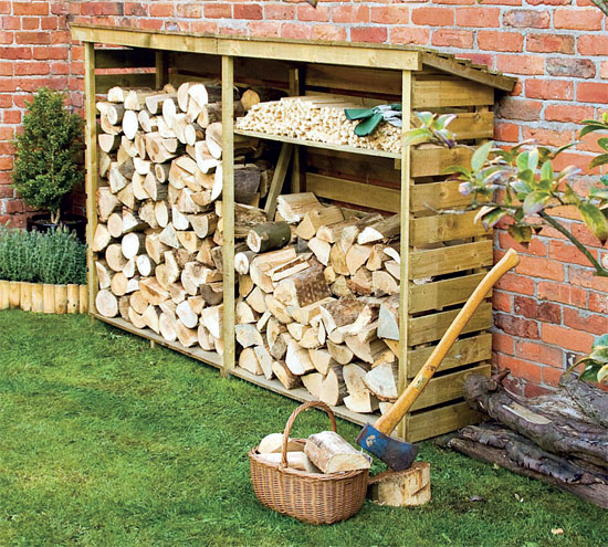 Aby bylo d evo v suchu chata chalup for Log storage ideas