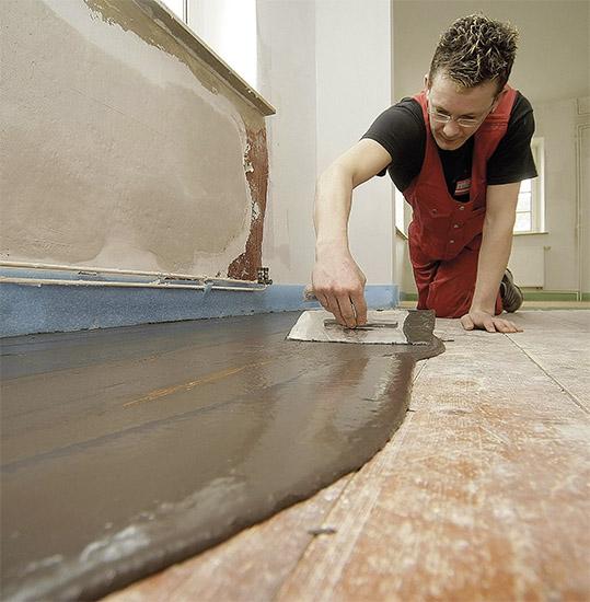 Vyrovnání betonu lepidlem