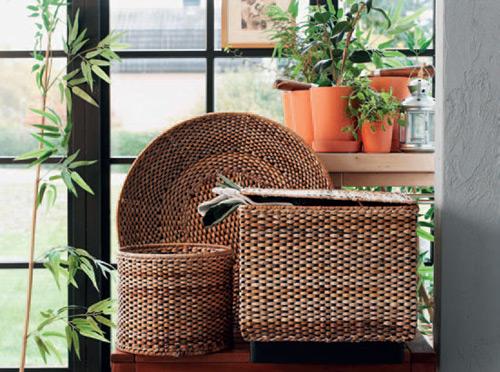 5e7ff36d6 Malé proutěné košíky se vždy hodí (IKEA)