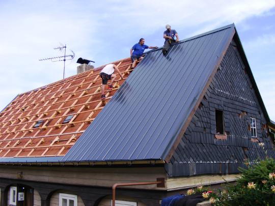 Rekonstrukce střechy: KPTR 1017 v odstínu RAL 7016