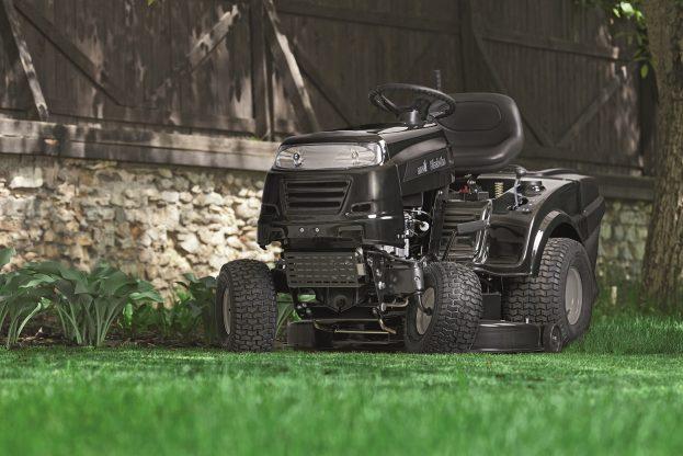 Zahradní traktor MTD